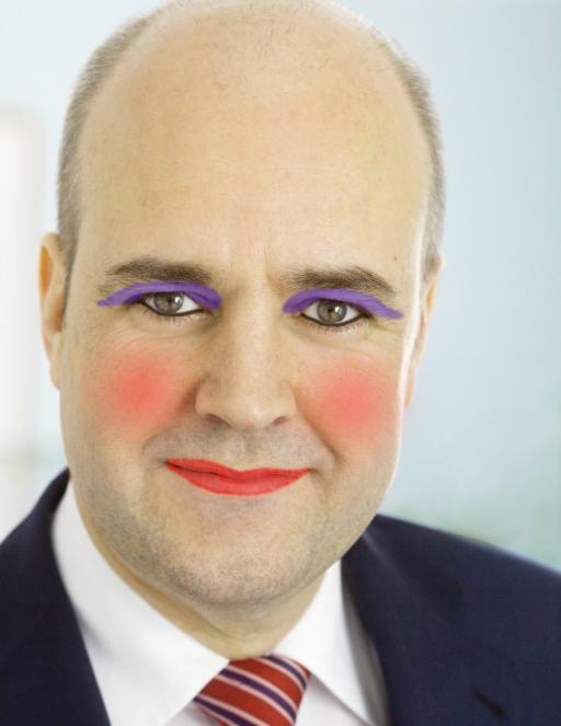 Fredrik Reinfeldt EU smink sminkad gris 2000aldrig satir humor